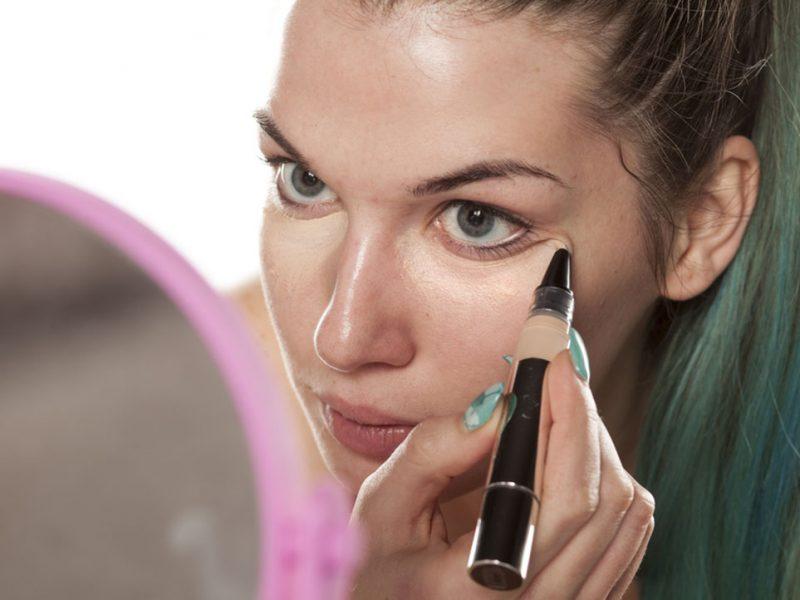 eye-concealer